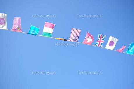 なびく国旗の写真素材 [FYI00417765]