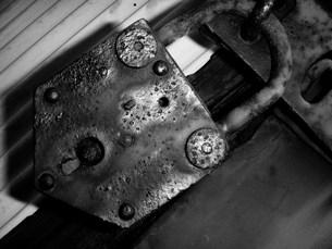 錆びた南京錠の写真素材 [FYI00417799]