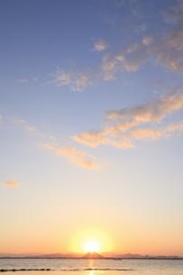 三上山からの日の出の素材 [FYI00418112]