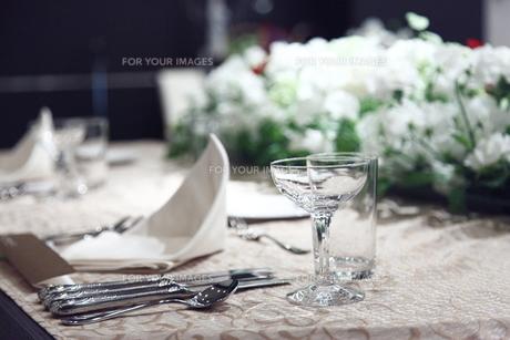 新郎新婦のテーブルの写真素材 [FYI00418456]