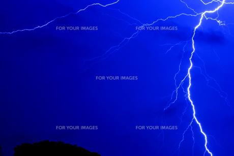 雷鳴の写真素材 [FYI00418480]