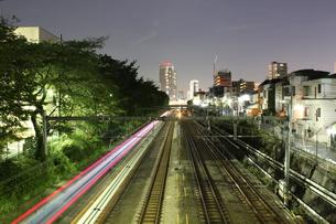 夜の線路の写真素材 [FYI00418908]