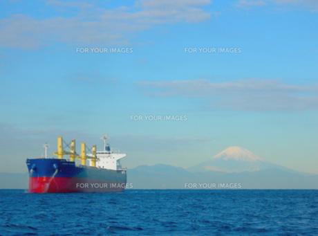 富士山と大型船その2の素材 [FYI00419381]