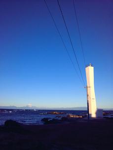灯台と富士山01の素材 [FYI00419399]