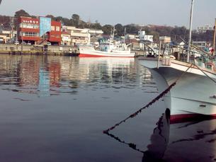 平穏な漁港の素材 [FYI00419419]
