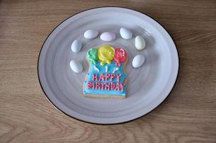 誕生日のお菓子の写真素材 [FYI00419698]