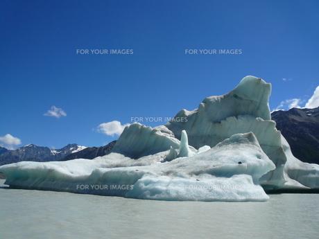 氷の怪獣の写真素材 [FYI00419727]