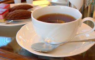 紅茶とケーキの写真素材 [FYI00420470]