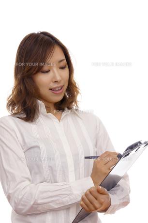 女性のポートレートの写真素材 [FYI00420530]