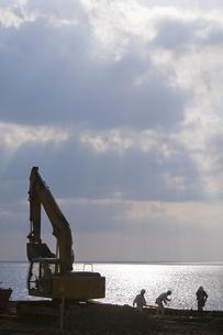 工事現場と海の写真素材 [FYI00420731]