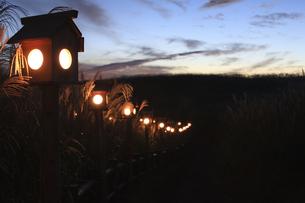 高原の灯籠の写真素材 [FYI00420760]