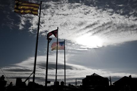 国旗と空の写真素材 [FYI00420972]