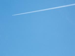 飛行機雲の写真素材 [FYI00421255]