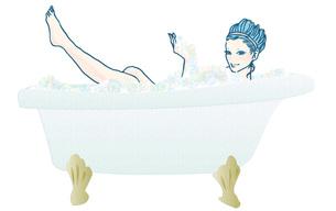 入浴する若い女性の写真素材 [FYI00421491]