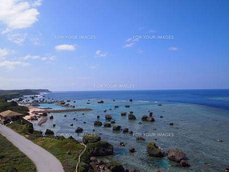東平安名崎の海岸の素材 [FYI00421537]