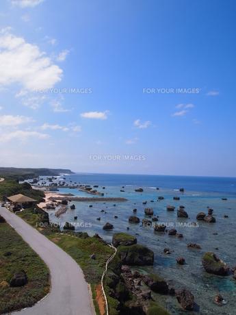 東平安名崎灯台からの眺めの素材 [FYI00421552]