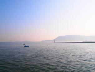 瀬戸内海の朝の素材 [FYI00421558]