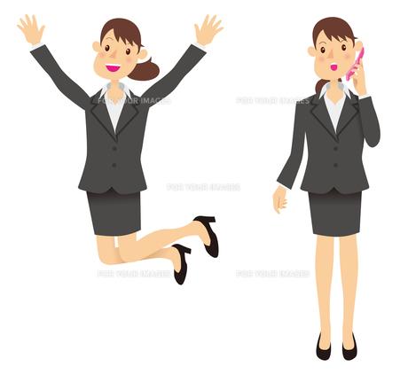 ビジネスウーマンジャンプと携帯電話の写真素材 [FYI00422298]