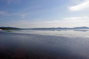 サロマ湖より望むキムアネップ岬の写真素材 [FYI00422557]