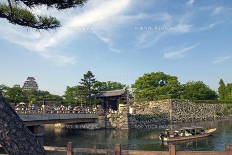 姫路城 桜門橋と大手門の写真素材 [FYI00422712]
