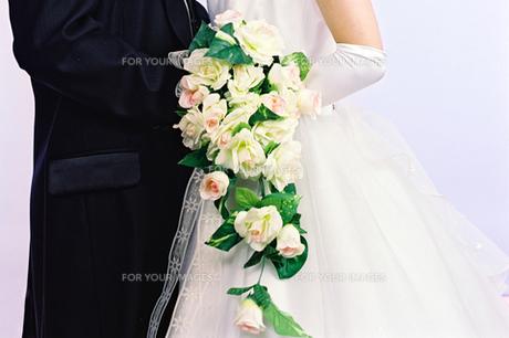 洋装婚礼 新郎新婦の写真素材 [FYI00422713]