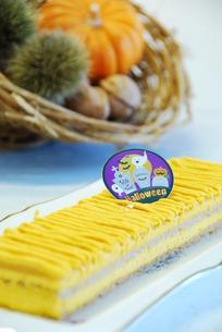 ハロウィンのパンプキンケーキの写真素材 [FYI00423855]