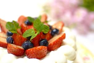 苺のショートケーキの写真素材 [FYI00423879]