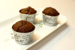 チョコレートカップケーキの写真素材 [FYI00423891]