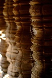 アンコールワットの遺跡の柱の写真素材 [FYI00424179]