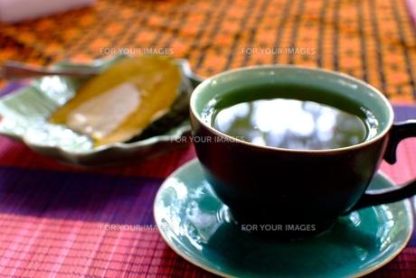 カンボジア料理(ルパウ・ソン・クチャー)の写真素材 [FYI00424186]