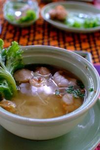 カンボジア料理(サムロー・モチュー)の写真素材 [FYI00424188]