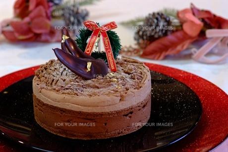 クリスマスチョコレートケーキの写真素材 [FYI00424389]