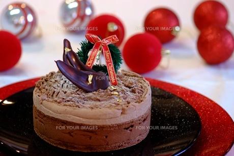 クリスマスチョコレートケーキの写真素材 [FYI00424394]