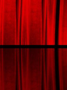 赤カーテンの写真素材 [FYI00424890]