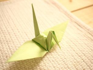 折り鶴の写真素材 [FYI00425123]
