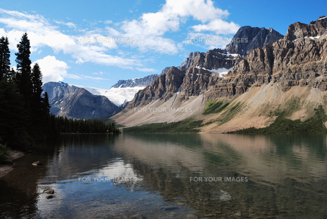 ボウレイクからのクロフット氷河の写真素材 [FYI00425140]