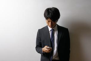 若いビジネスマンのポートレートの写真素材 [FYI00425283]