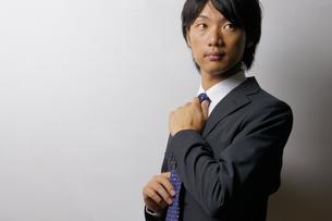 若いビジネスマンのポートレートの写真素材 [FYI00425284]
