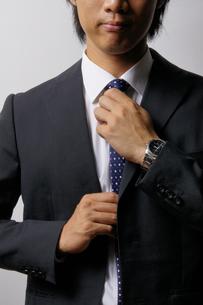 若いビジネスマンのポートレートの写真素材 [FYI00425286]