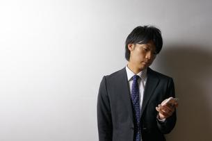 若いビジネスマンのポートレートの写真素材 [FYI00425292]