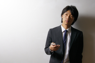 若いビジネスマンのポートレートの写真素材 [FYI00425293]