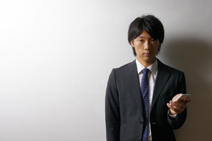 若いビジネスマンのポートレートの写真素材 [FYI00425312]