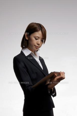 ビジネスウーマンのポートレートの写真素材 [FYI00425333]