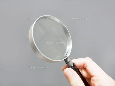 虫眼鏡の写真素材 [FYI00425396]