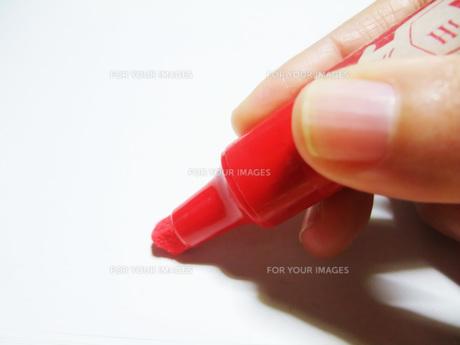 赤いマーカーの写真素材 [FYI00425506]