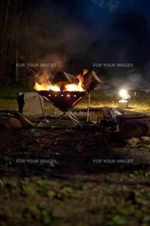 焚き火の写真素材 [FYI00425538]
