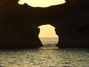 円月島の写真素材 [FYI00425572]