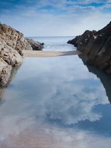 閉じ込められた海の写真素材 [FYI00425912]