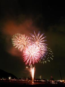 長良川全国花火大会の写真素材 [FYI00428052]