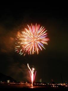 長良川全国花火大会の写真素材 [FYI00428054]